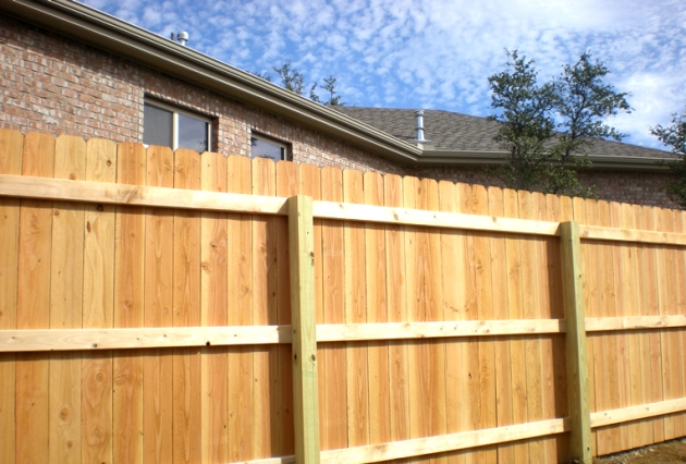 how to build a small fence